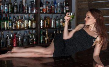 barwoman