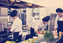 Παραμονή πρωτοχρονιάς εργασία εστιατόριο
