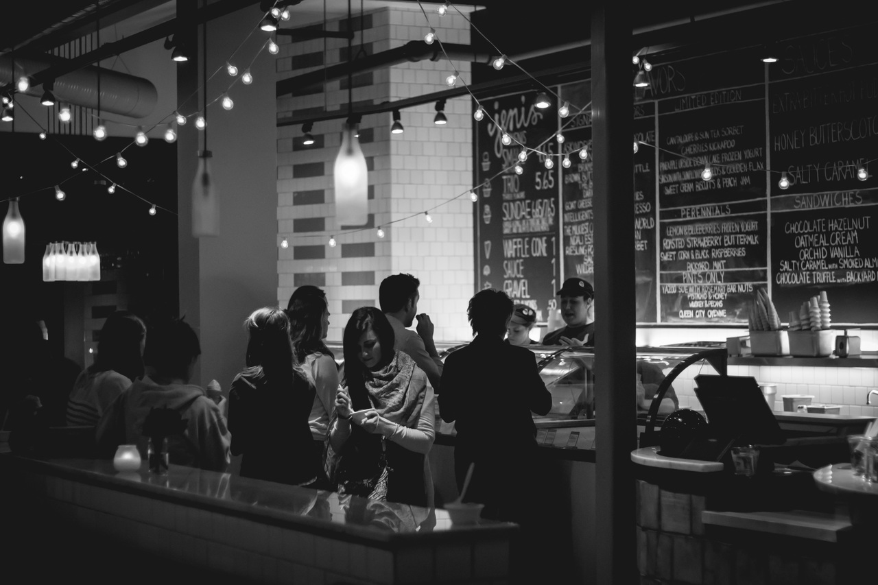 cafe-black-and-white-white-night-restaurant-bar